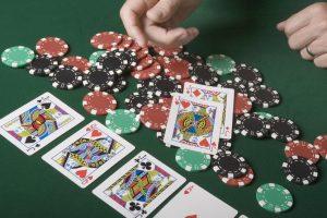 Permainan judi Poker online